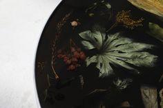 mobili Flora Noir di Marcin Rusak
