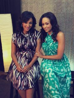 Tamera Mowry-Housely continued to promo the second season of her Style network reality show, Tia and Tamera, with her sister Tia Mowry Hardrict which airs tonight, June Beautiful Black Women, Beautiful People, Tia And Tamera Mowry, Beautiful Outfits, Cute Outfits, Fashion Network, Black Girls Rock, Mode Style, Beautiful Celebrities
