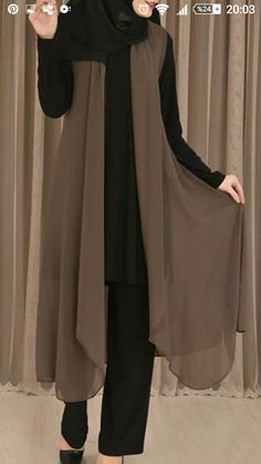 Hijab Elegante, Hijab Chic, Muslim Women Fashion, Islamic Fashion, Muslim Dress, Hijab Dress, Abaya Fashion, Fashion Dresses, Estilo Abaya