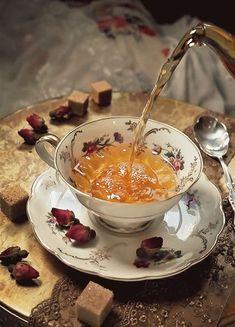 Tea Brands, Flower Tea, Aesthetic Food, Afternoon Tea, Tea Set, Tea Time, Tea Party, Tea Cups, Food And Drink