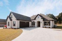 Ranch House Plans, Best House Plans, European Plan, Courtyard Entry, Modern Farmhouse Plans, Farmhouse Interior, House Front, House 2, Front Porch