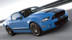 2013 Ford Shelby GT500... I want one!!