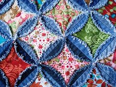 I love the raw edge ragging on this. I wish I had known about this months ago. I really screwed up when I attempted this denim circle quilt. I was zig-zagging the circles and it took enormous amounts of thread. I got tired of it and threw the whole thing away. grrrr