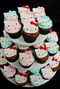 Hello Kitty Cupcakes and like OMG! get some yourself some pawtastic adorable cat apparel! Torta Hello Kitty, Hello Kitty Birthday Cake, Hello Kitty Cupcakes, Hello Kitty Baby, Hello Kitty Themes, Cat Cupcakes, Cupcake Cakes, Ladybug Cupcakes, Snowman Cupcakes