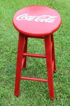 29 inch Hand Painted Coca-Cola bar stool by DesignsbyJodyRife on Etsy Painted Chairs, Painted Furniture, Diy Furniture, Coca Cola Kitchen, Coca Cola Decor, World Of Coca Cola, Man Cave Diy, Coca Cola Bottles, Pepsi