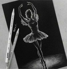 """White pencil drawings on black paper"" - card from user in Yandex. Black Paper Drawing, Black And White Drawing, Pastel Drawing, Pastel Art, Charcoal Sketch, Charcoal Art, White Charcoal, Charcoal Drawing, Pencil Art Drawings"