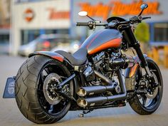 New Project : Full customized Harley-Davidson Breakout Pro Street (CVO) with the new Micro-LED edition of our bolt-on 260 mm Fender-Kit, TB aluminium custom tank, Air Ride suspension, Jekill & Hyde exhaust and custom paint. You can order all parts in our shop : http://shop.thunderbike.de Take Care!   #Breakout #Customized #cvo #Full #Harley-Davidson #pro #Street