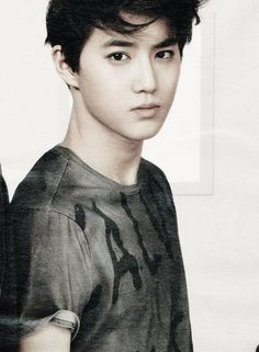 Suho | I just noticed that his shirt sleeve is slightly folded and now it's bothering me, xD