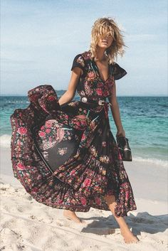 DeRuiLaDy 2018 New Women Summer Boho Beach Maxi Dress Sexy V Neck Vintage Print Long Dresses Casual Sundress Dress vestidos - Designer Accessories Online - largest collection of fashionable designer clothing and accessories Dresses For Teens, Trendy Dresses, Sexy Dresses, Casual Dresses, Summer Dresses, Long Dresses, Beautiful Dresses, Gypsy Dresses, Summer Maxi
