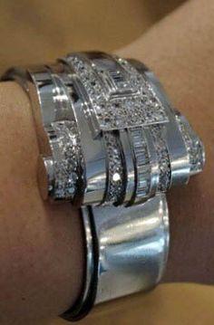 René Boivin - Art Déco - Bracelet 'Rouleau' - Platine, Or Blanc et Diamants - 1935