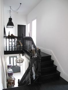 The Best 24 Painted Stairs Ideas for Your New Home Really cool stairs with an industrial workspace.reminds me of my sisters house. cool stairs with an industrial workspace.reminds me of my sisters house. Black Staircase, Staircase Design, Black Banister, Black Painted Stairs, Stair Design, Style At Home, Industrial Workspace, Industrial Stairs, Industrial Lamps