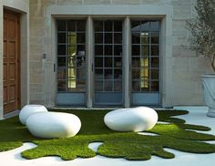 Outdoor Pebble seating