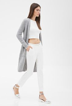 long-line cardigan + white top cropped + white jeans Open Front Cardigan, Long Cardigan, Longline Cardigan, Grown Women, Cardigan Outfits, Casual Street Style, White Denim, Cardigans For Women, Star Fashion