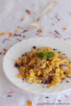Oggi per il calendario del cibo italiano  si festeggia la giornata dedicata agli spätzle , gnocchetti di origine germanica e diffusi anche ...