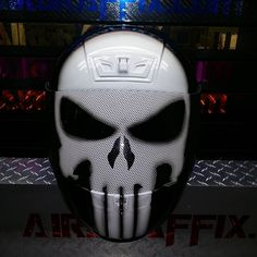 Custom Airbrushed Motorcycle Helmet by Airgraffix.com 294