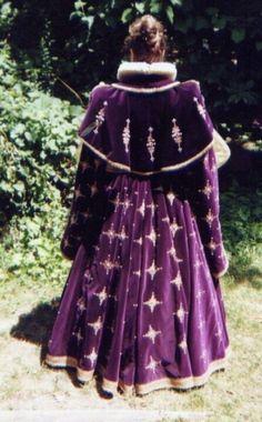 Backside of gown by Oldeworldwear.com