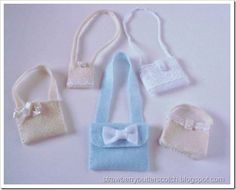 11a2f0226004a 5 a Week  Cute Felt Bags for Dolls with a Tutorial