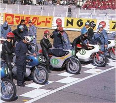 the old day's Racing Motorcycles, Racing Bike, The Golden Years, The Old Days, Vintage Racing, Yamaha, Honda, Old Things, Japan