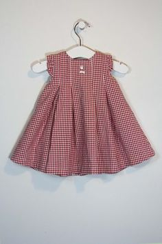 Vestido 9 meses Más Cotton Frocks For Kids, Kids Frocks, Frocks For Girls, Dresses Kids Girl, Little Girl Dresses, Kids Outfits, Baby Girl Dress Patterns, Frock Patterns, Baby Kind