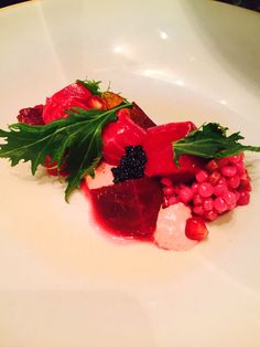 Salmon and beetroots Panna Cotta, Strawberry, Fruit, Ethnic Recipes, Food, Salad, Strawberries, Meals