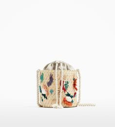Discover the new ZARA collection online. The latest trends for Woman, Man, Kids and next season's ad campaigns. Girls Bags, Girls 4, Bridesmaid Bags, Wedding Bag, Summer Bags, Girls Accessories, Embroidery Art, Clutch Bag, Bucket Bag