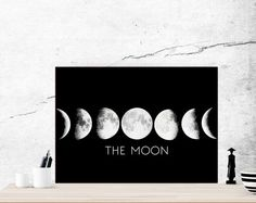 The moon. Moon poster. Moon phases printable. Moon por Byoliart