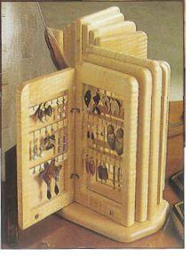 Ah! E se falando em madeira...: Arte Deco - porta livro, projeto no blog