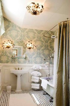 Vintage Interior Design I wonder if Darrick would be okay with this pattern in the small bathroom? Vintage bathroom - Greeson and Fast Interior Design Victorian Interiors, Victorian Decor, Victorian Homes, Vintage Interiors, Interior Design Victorian, Victorian Lighting, Victorian Gothic, Victorian Bathroom, Vintage Bathrooms