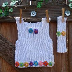 Débardeur bébé tricoté main et son bandeau, layette bébé, coton blanc, petites fleurs multicolores
