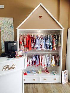 Boutique bébé Blondin - i like - Boutique Interior, Boutique Decor, Kids Boutique, Shop Interior Design, Design Shop, Clothing Store Displays, Clothing Store Design, Kids Store, Baby Shop