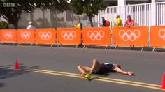 This is the moment France's gold medal contender for the men's 50km race walk Yohann Diniz collapses to the ground mid race in Rio.