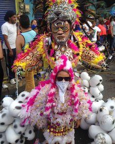 Comparsa Revelacion Carnavalesca de Villa Juana #CarnavalDominicano #Carnaval2017
