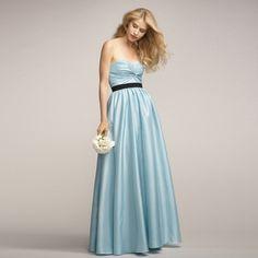 ブライズメイド・ルミネントタフタ・フロアレングスドレス(アクアマリン)ガーデンに映えるブルーのブライズメイドドレス。  #Bridesmaid #Dress #Blue #Wedding