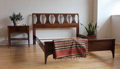Kent Coffey Perspecta Mcm Furniture, Vintage Furniture, Interior Decorating, Interior Design, Scandinavian Modern, Mid Century House, Mid-century Modern, Modern Living, Bed Frame