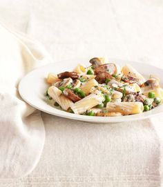 When it comes to pasta with cream sauce, you can't beat the trifecta of mushrooms, sausage, and peas. Even better? Lightening things up with a little white wine and thyme. Recipe: Rigatoni with Sausage, Peas, and Mushrooms