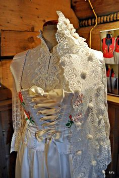 Polish folk: traditional wedding dress