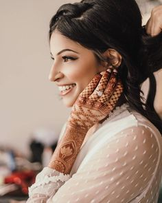 Netflix Actor Richa Moorjani's Wedding In Mexico Is Goals Bride Getting Ready, Getting Married, Wedding Looks, Bridal Looks, Indian Destination Wedding, Haldi Ceremony, Wedding Function, Colourful Outfits, Intimate Weddings