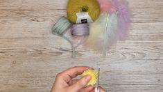 Hvordan lage påskekyllinger med gaffel og garn - Kreative Idéer Dream Catcher, Hair Styles, Beauty, Home Decor, Hair Plait Styles, Dreamcatchers, Decoration Home, Room Decor, Hair Makeup