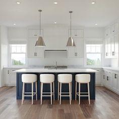 Home Decor Kitchen, Kitchen Interior, New Kitchen, Blue Kitchen Ideas, Long Kitchen, Beach House Kitchens, Home Kitchens, Joss And Main, Home Renovation