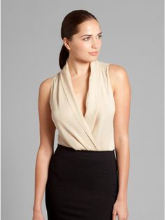 looks like 1 of the many outfits in my closet that I need 2 get back INto - sigh - simple-classic