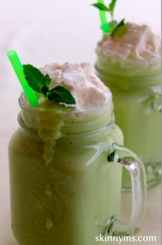 Creamy Green Smoothie with a Hint of Mint