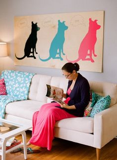 DIY Silouette mural, perfect idea for our new living room! #dog #cats #design