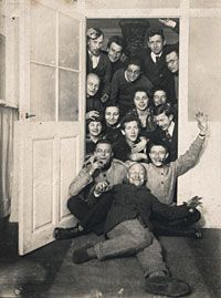The first Bauhaus students? 1919