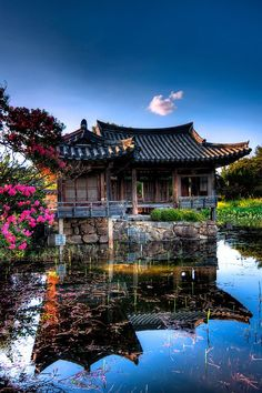 a traditional building which is called 'hanoak' in South Korea. One way to distinguish between Japanese / Chinese / Korean traditional architecture is to note that Koreans tend to use neutral colours such as blue or green Places Around The World, The Places Youll Go, Travel Around The World, Places To See, Around The Worlds, Gyeongju, Wonderful Places, Beautiful Places, Beautiful Scenery
