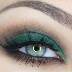 What do you think about this nice eye makeup idea?
