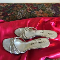Women's Medium Shoes/ Easter Sales This is an used silver  medium heel-shoes  Shoes Heels