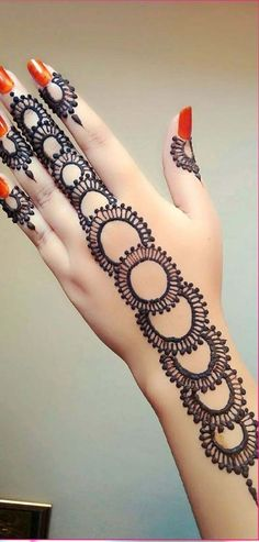 Simple and beautiful henna design 2018