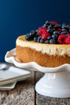 Lemon Cheesecake with Fresh Berries