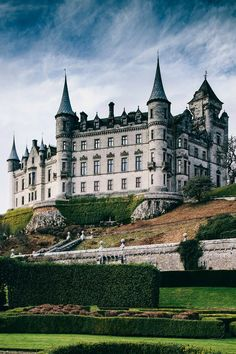 "itsarthistory: ""Dunrobin Castle in the Scottish Highlands """