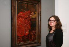 """George Hendrik Breitner, Meisje in rode kimono (Geesje Kwak), ca. 1893. - Nina Verweij: """"De waakzame blik in de ogen van het meisje, gecombineerd met de terughoudende lichaamstaal die zij uitstraalt, maken me nieuwsgierig. Ik vraag me af wat er in haar gedachten omgaat."""""""